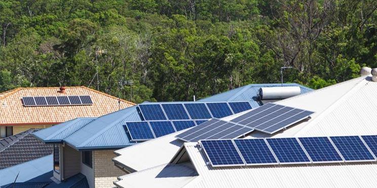 Pannelli fotovoltaici installazione sui tetti