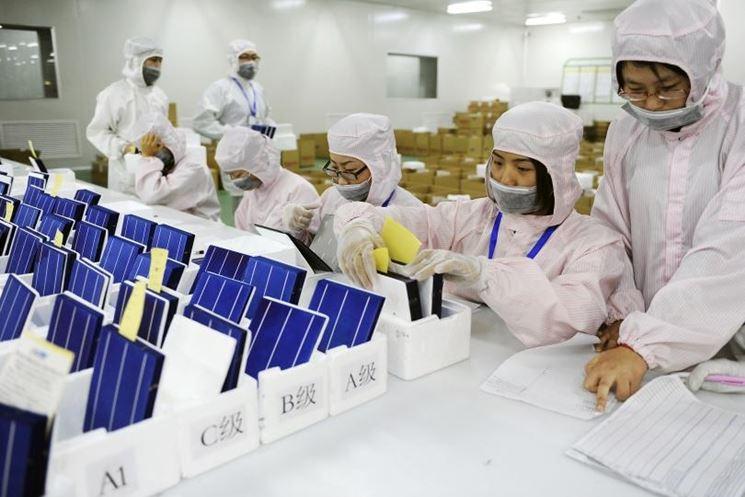 Realizzazione di pannelli fotovoltaici cinesi