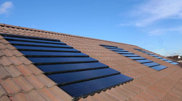 Copertura tetto con pannelli fotovoltaici integrati