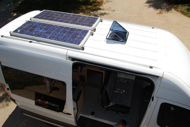 Regolatore Pannello Solare Per Camper : Pannelli fotovoltaici per camper impianto fotovoltaico