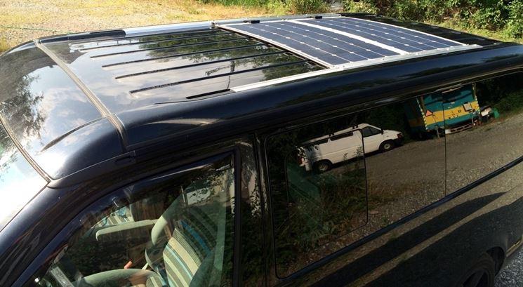 Pannelli fotovoltaici installati su camper