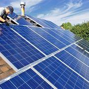 Installazione di pannelli fotovoltaici su tetto