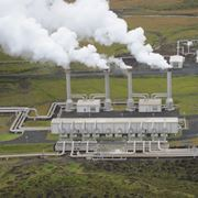 Una centrale geotermica