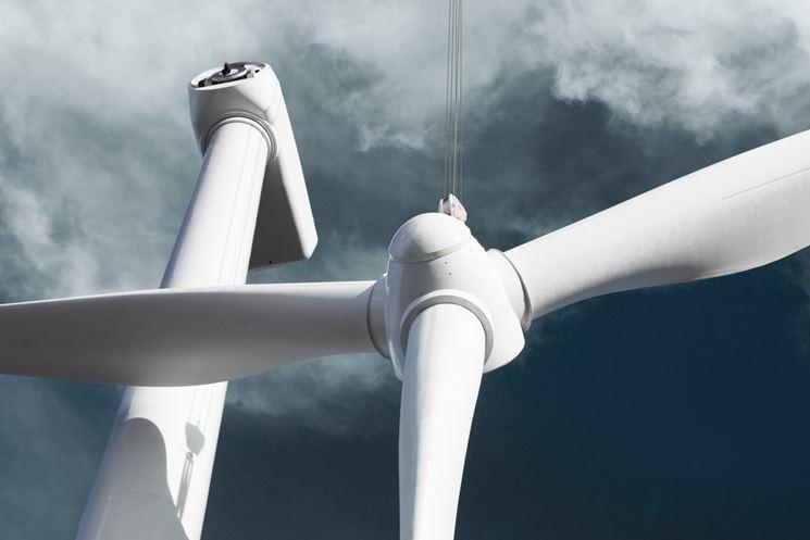 Diverso tipo di pala eolica