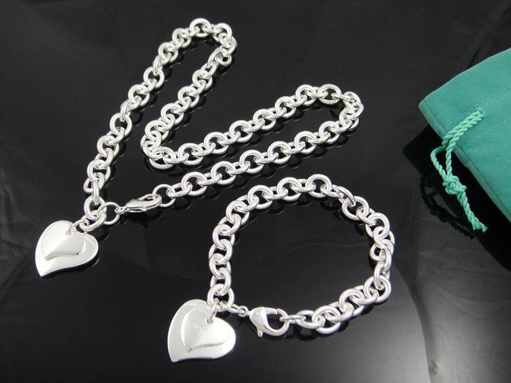 Gioiello in argento realizzato a mano