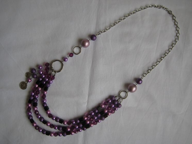 Collana metallo e perline