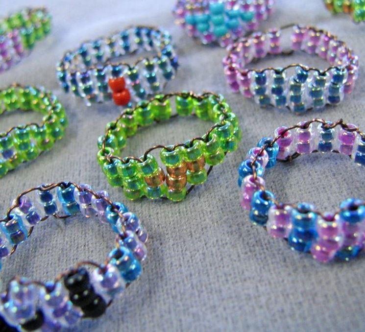 particolare bracciale con perline