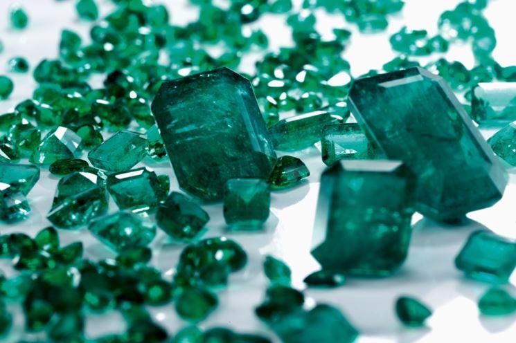 Smeraldi di varie misure