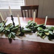 Centrotavola natalizi fai da te con foglie di magnolia