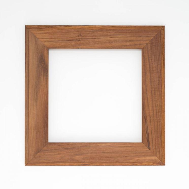 Cornice in legno fai da te come decorare lavori legno for Cornice foto legno