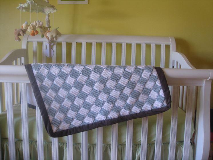 Coperta all'uncinetto per neonati