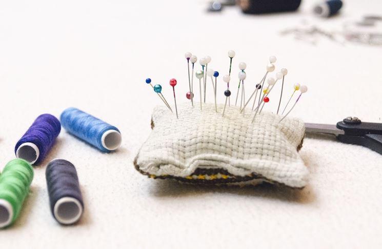 Materiali e strumenti per cucire