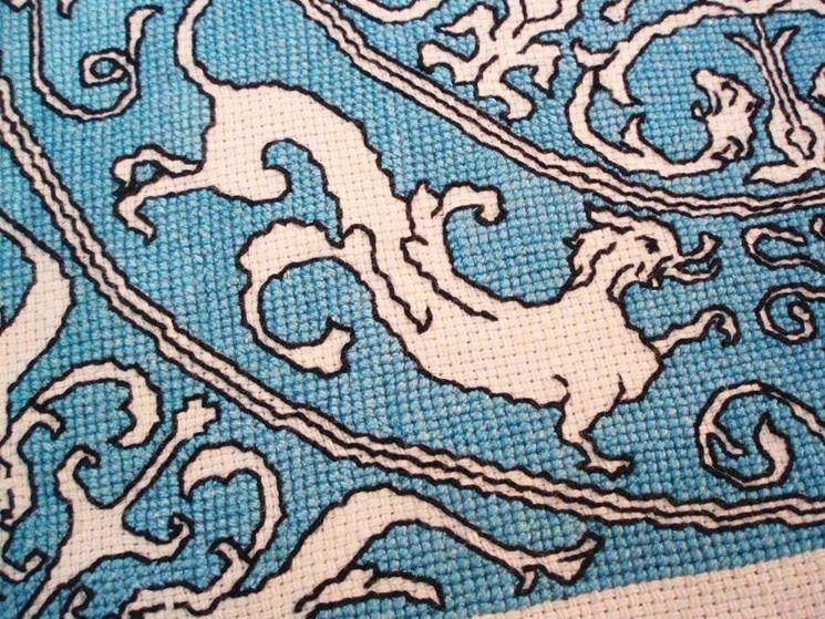 Esempio punto Assisi nei tradizionali colori del blu e del nero