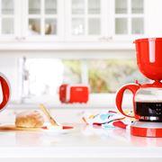 Macchinetta del caffè rossa