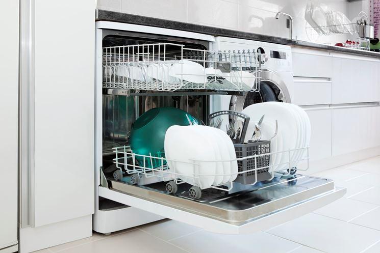 Lavastoviglie a fine lavaggio