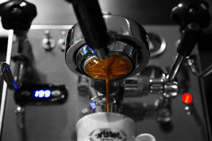 Preparazione di una tazzina di caffè