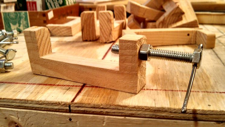 Fai da te falegnameria fai da te legno lavori di for Banco fresa fai da te