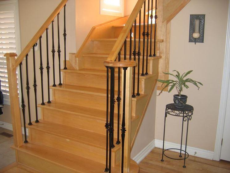 eleganti gradini in legno