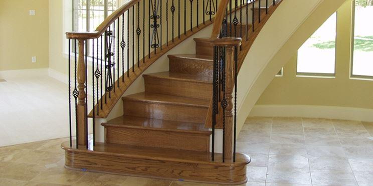 Manutenzione e caratteristiche dei gradini in legno fai for Gradini in legno prezzi