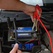 come ricaricare batteria auto