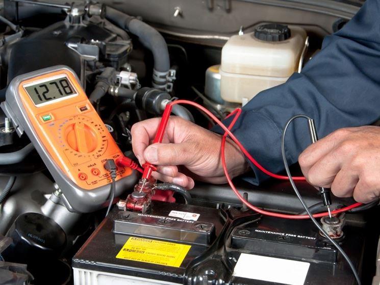 Tester batteria auto