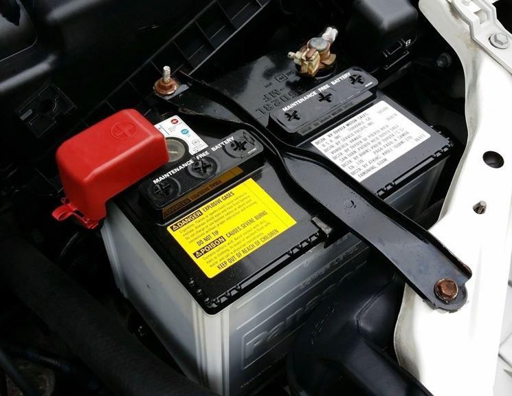 Interno macchina batteria