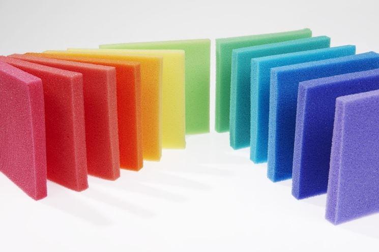 poliuretano espanso colorato