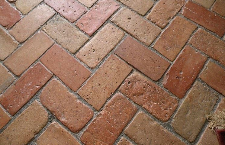 Un pavimento in cotto antico
