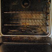 Un forno molto sporco