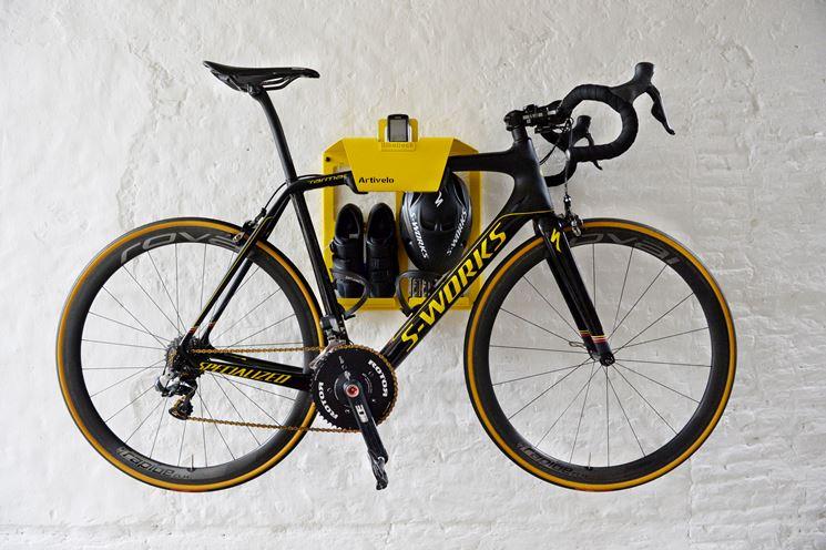 Appoggi a muro per bicicletta