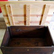 baule in legno contenitore