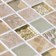 Filettare le piastrelle a mosaico