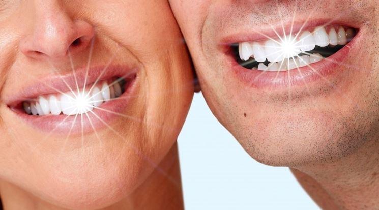 lucidare i denti