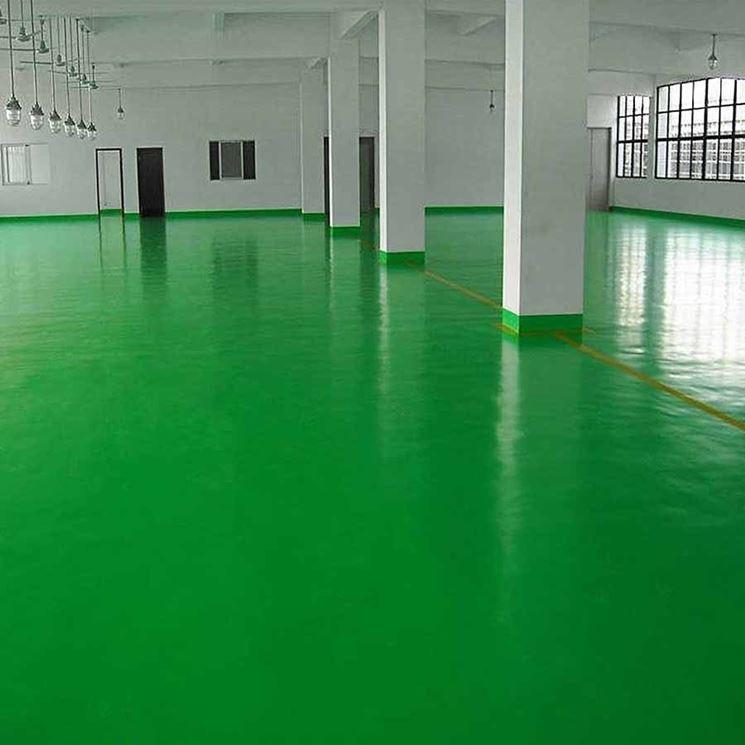 Pavimento colorato con vernice poliuretanica