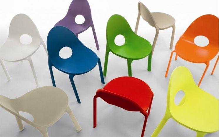 Sedie plastificate verniciate
