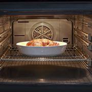 Interno di un forno elettrico ventilato
