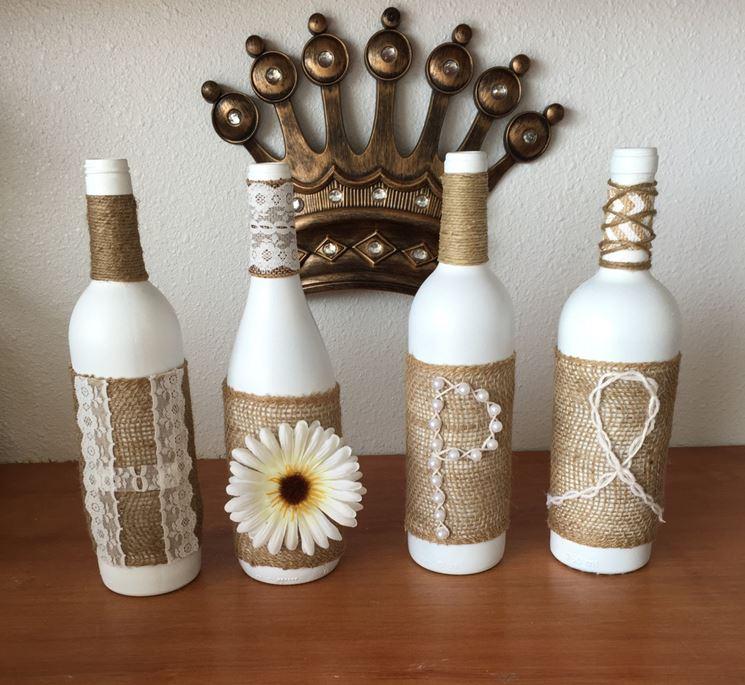 bottiglie di vetro decorate
