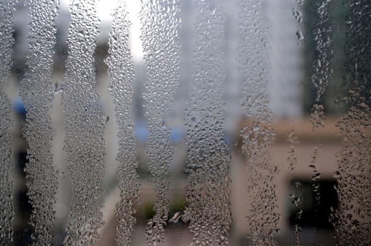 Eliminare la condensa vetri
