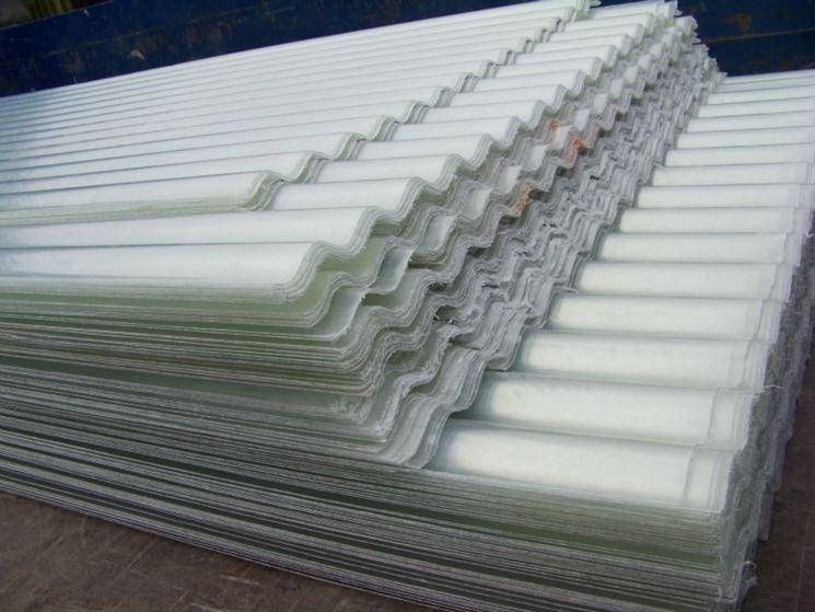 Pannelli vetroresina vetri materiale lavori edili for Piastrelle bagno ondulate