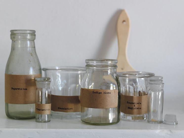 Barattoli di vetro di forme differenti