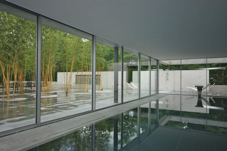 Serie di vetrate scorrevoli