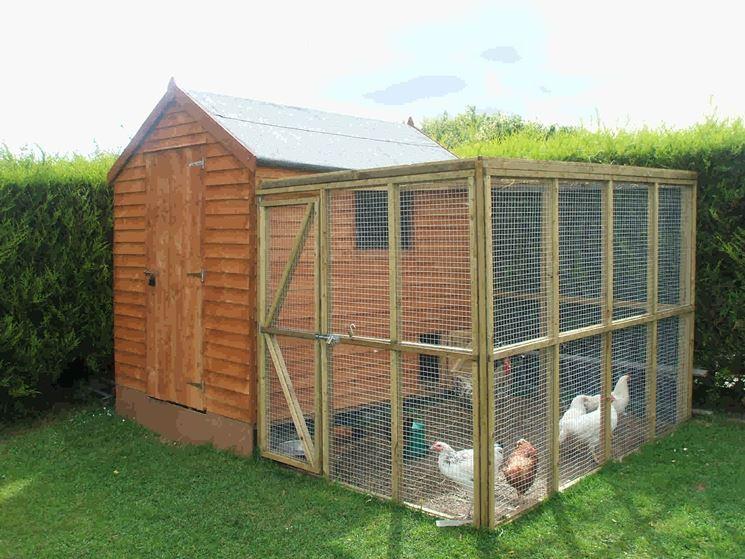 Pollaio fai da te casette di legno costruire pollaio for Recinto cani fai da te
