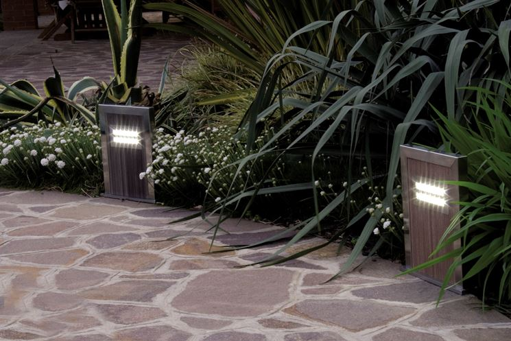 Illuminazione giardino led lampade da esterno for Illuminazione da giardino a led