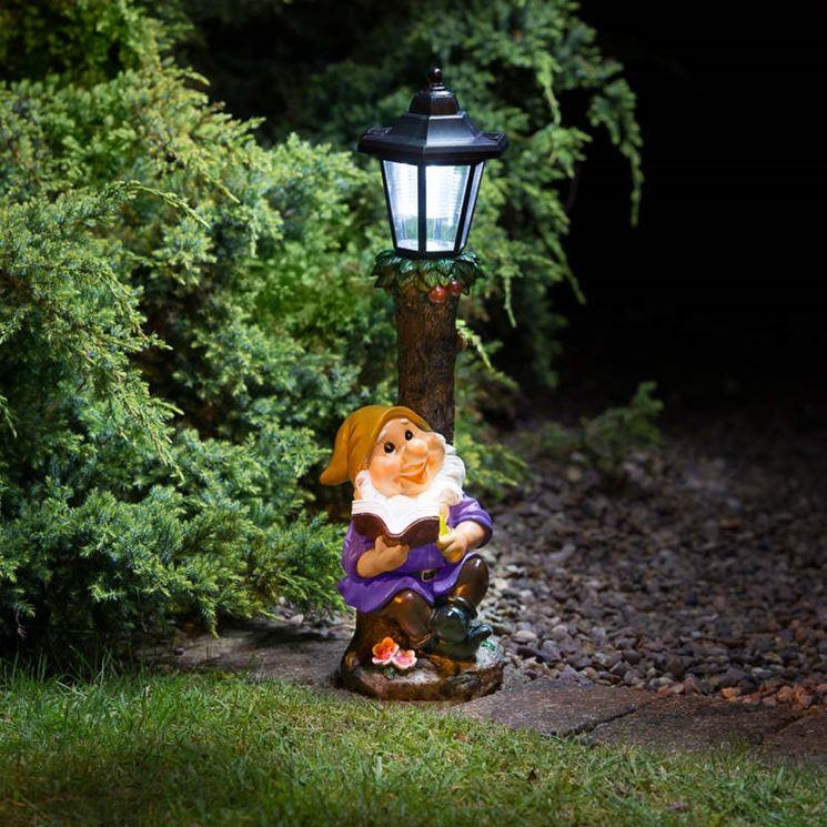 Nano da giardino con lampada