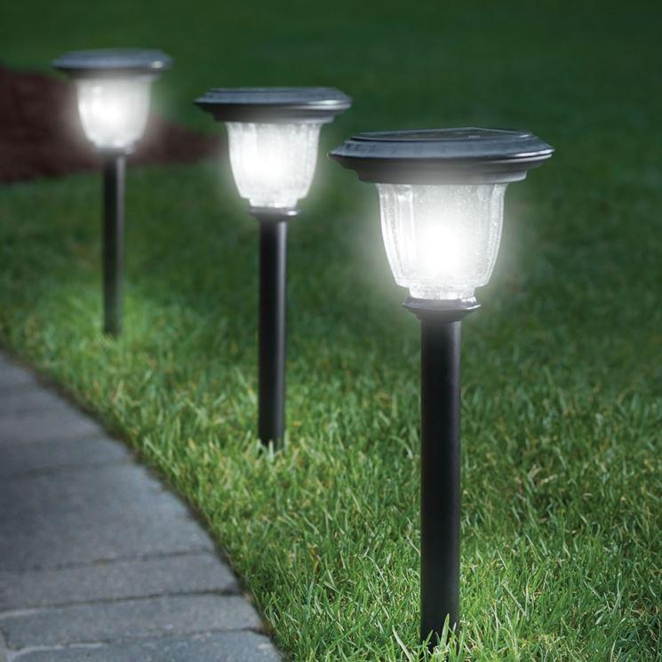 Luci da giardino lampade da esterno illuminazione giardino for Luci da giardino