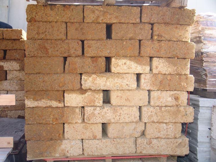 blocchi di tufo materiali da giardinaggio blocchi di