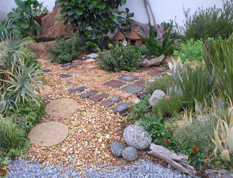 Tante pietre diverse per giardino
