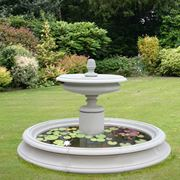 Elegante fontana da giardino