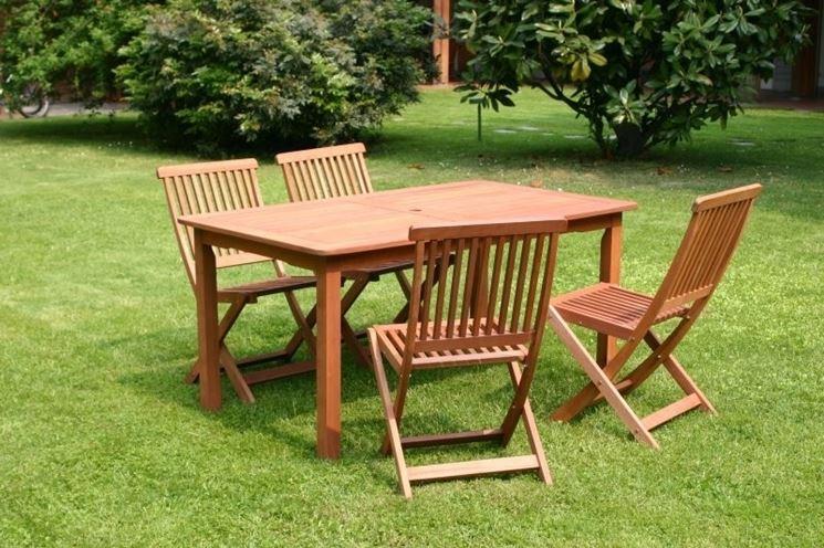 Sedie da giardino mobili da giardino tipologie di for Tavolo e sedie esterno offerte