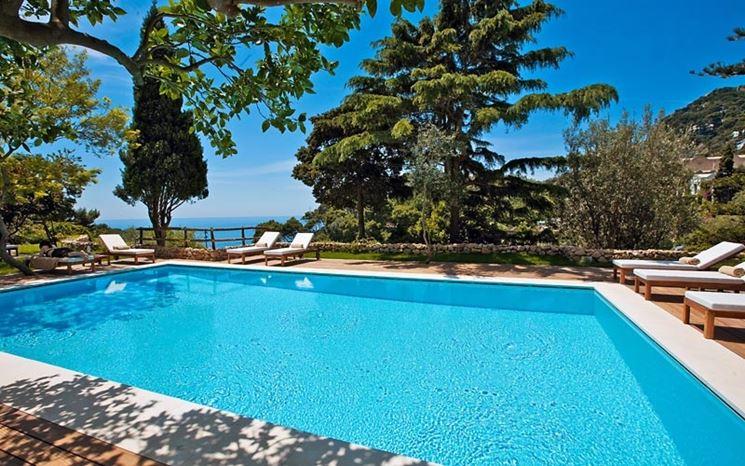 Una piscina da giardino